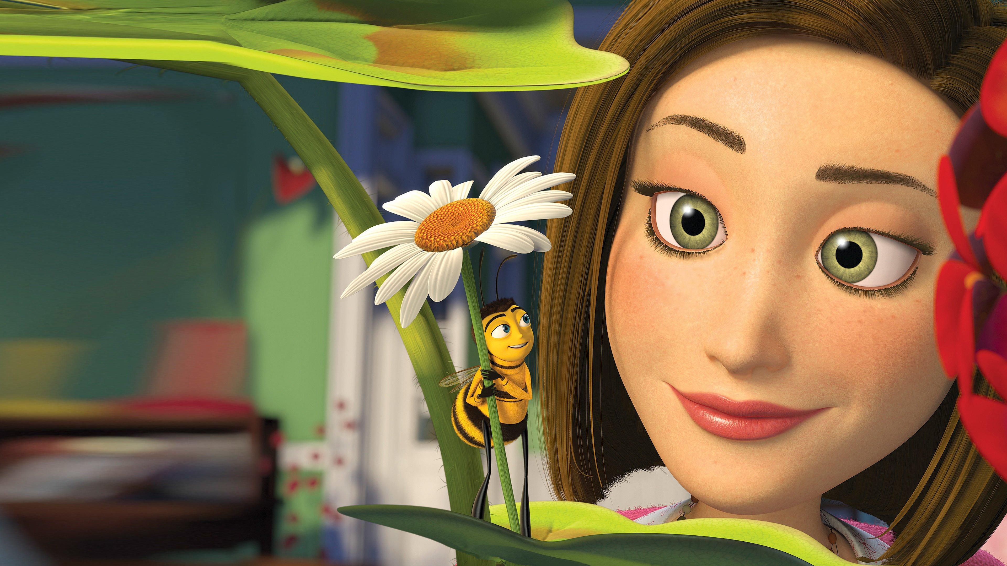 Понятно, что если в живой природе мы встретим пчелу, размером больше нашего глаза — это обморок. Но создателям нужно было решить очень сложную задачу и просто принять несоответствие пропорций.